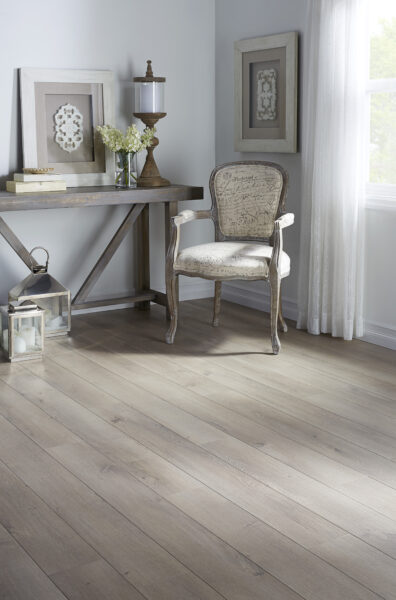 Impression Plus - Oak Pleno by Richmond Laminate